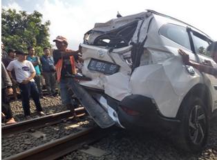 022) Mengapa Mobil Mogok Mendadak di Atas Rel Kereta Api (pada Perlintasan)?