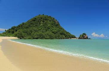 Mengapa Ada Pantai yang Pasirnya Halus dan Ada Pantai yang Pasirnya Kasar?